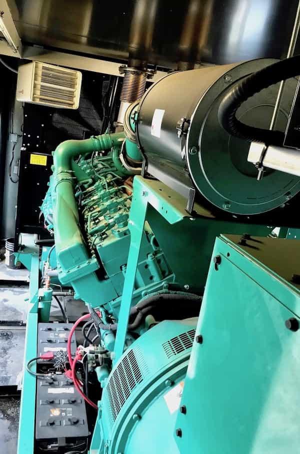 1500kw-diesel-generator-600v-cummins-1500dqgab-8
