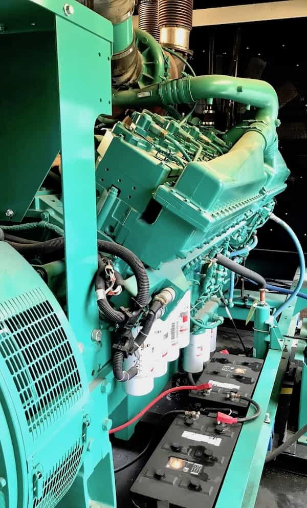 1500kw-diesel-generator-600v-cummins-1500dqgab-9
