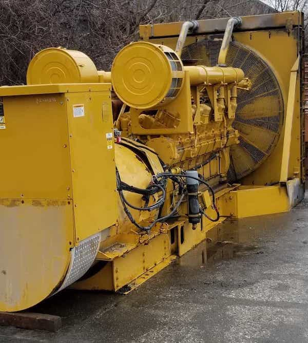 1750kW-diesel-generator-600v-caterpillar-3516-01