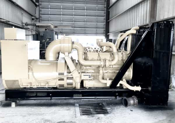 800kw-diesel-generator-600v-caterpillar-c32-01