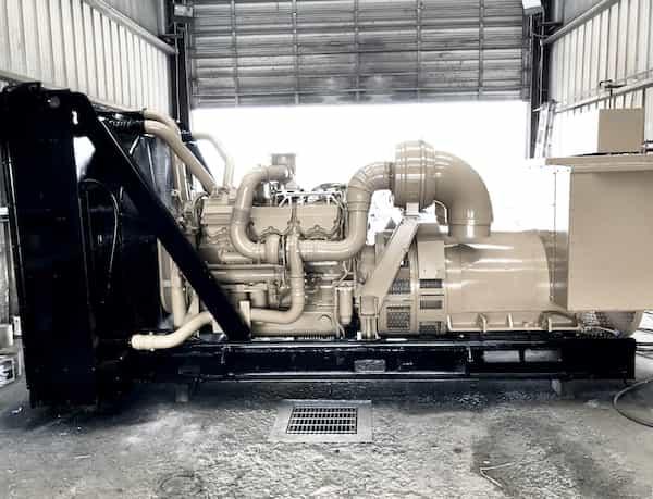 800kw-diesel-generator-600v-caterpillar-c32-02